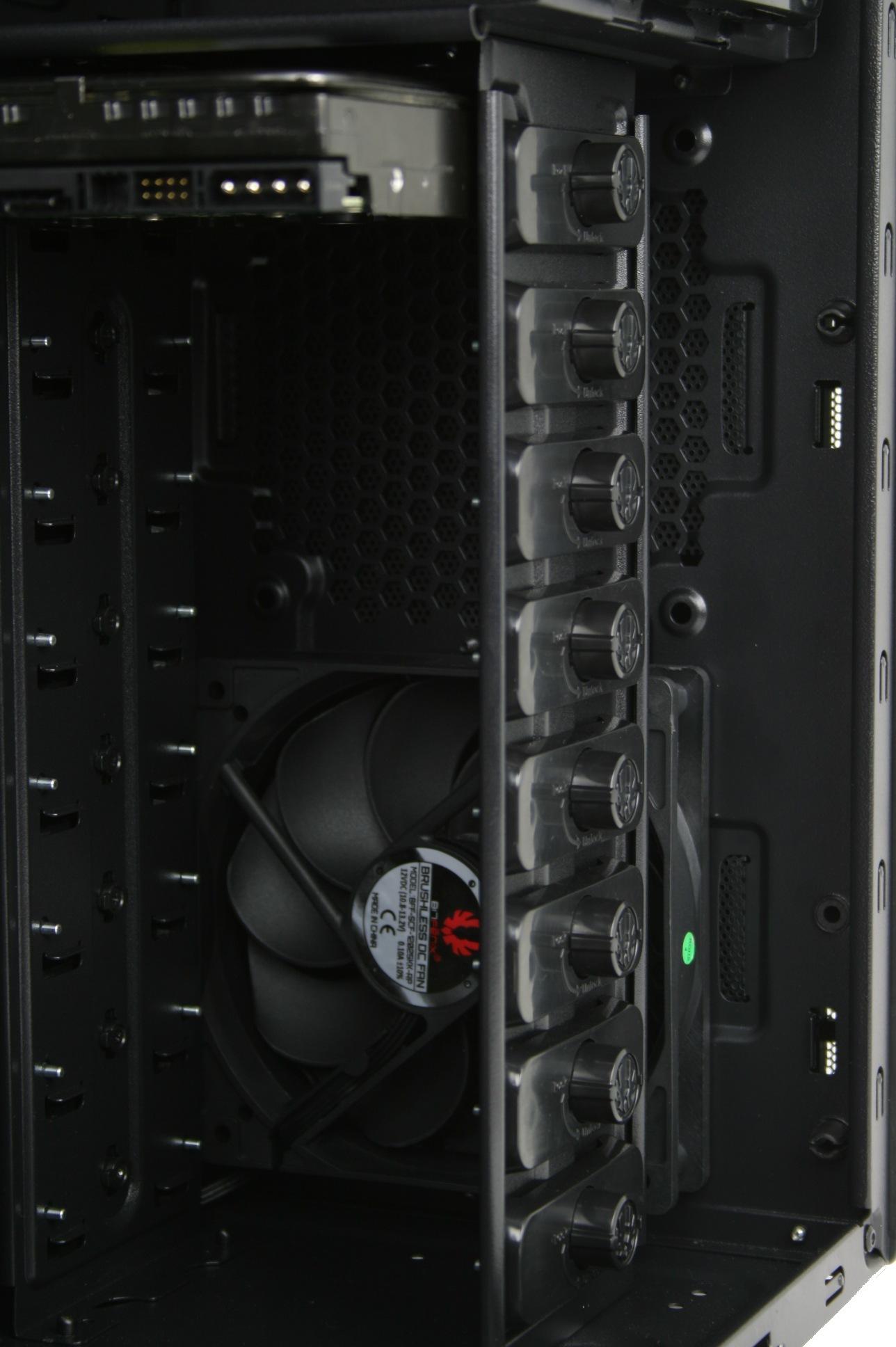"""BitFenix Shinobi Black w/ Window 3.5"""" bays and front fans"""